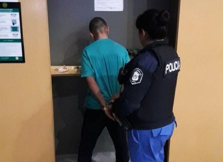 Cayó violador in fraganti en un cajero automático