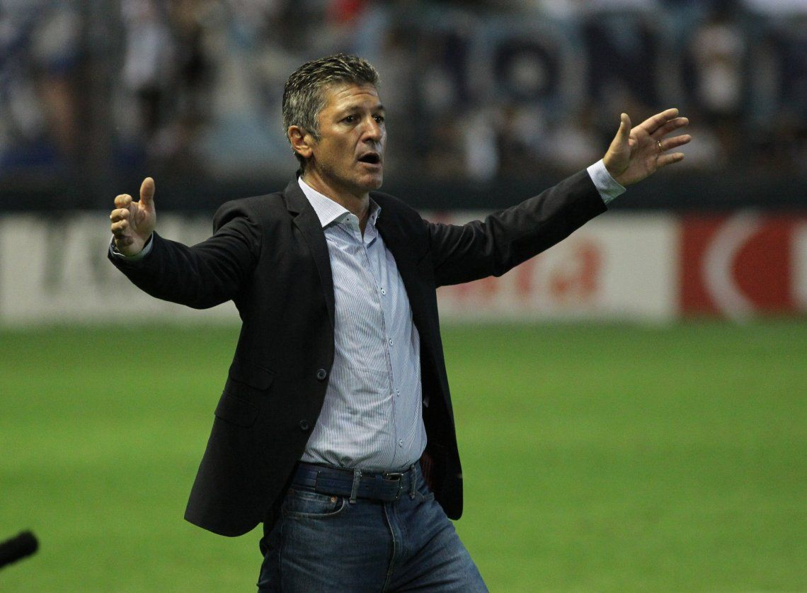 Mario Sciacqua dejó de ser el entrenador de Quilmes