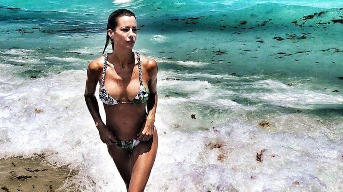 Nicole Neumann luce curvas bronceadas totalmente desnuda