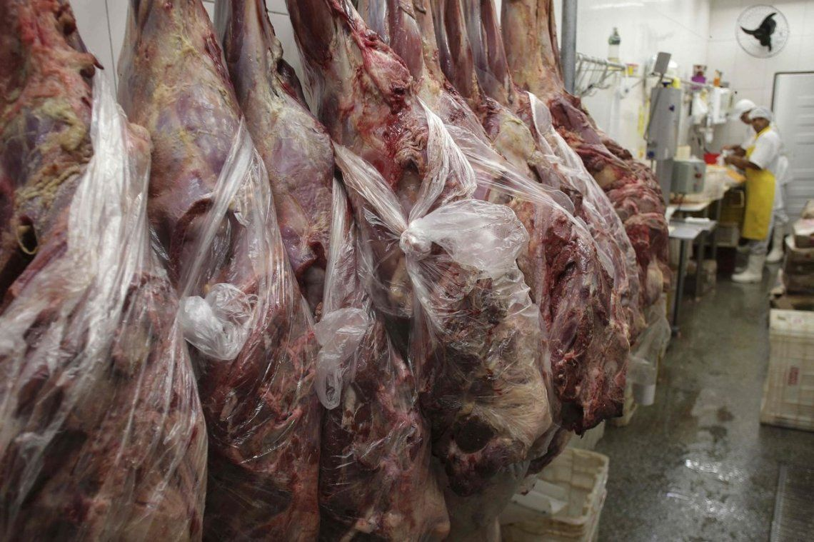 Sindicato de la Carne acordó suba salarial del 15%