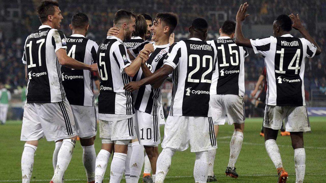 Juventus campeón ante Milan, pero el que festejó fue Sampaoli: Biglia fue al banco