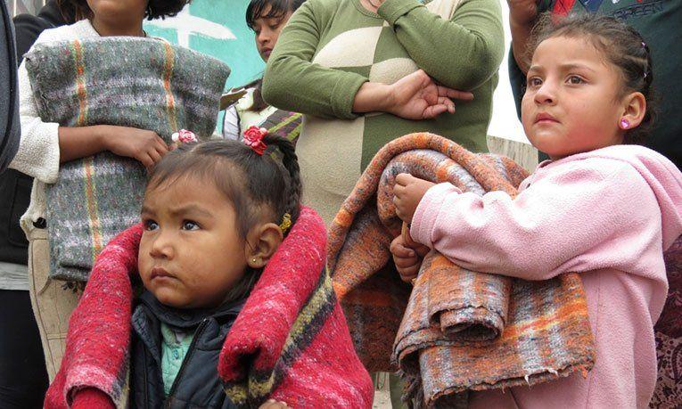 Convocan a donar ropa de abrigo en Berazategui