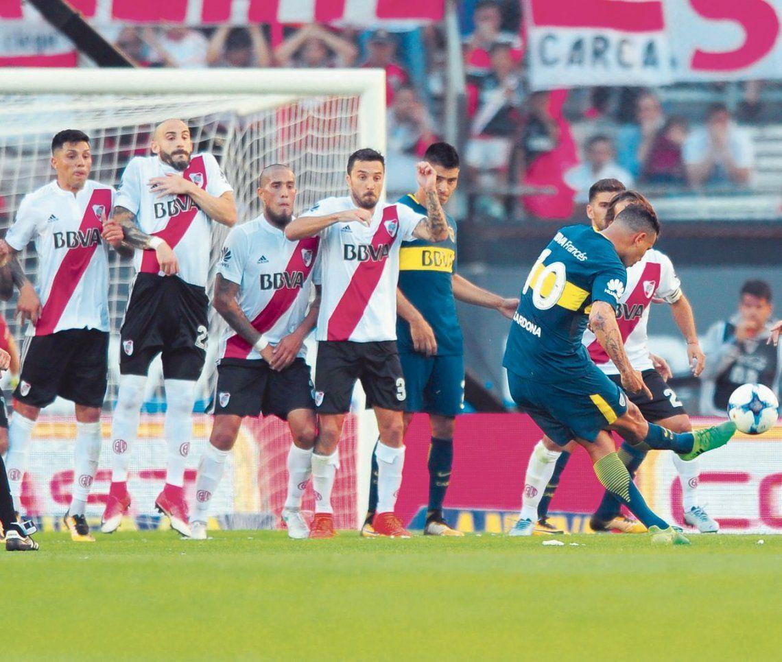 dGolazo de Cardona para abrir el clásico en el Monumental. Fue victoria de Boca por 2 a 1.