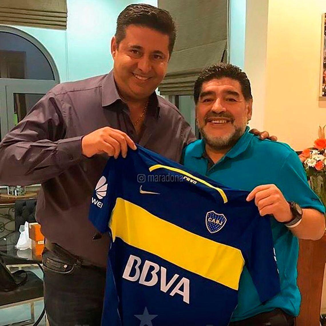 Angelici y Maradona