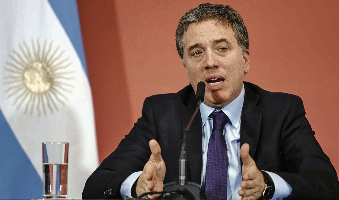 Dujovne admitió que habrá más inflación y menos crecimiento de la economía