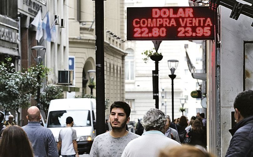 El dólar subió por segundo día consecutivo: cerró a $24,89
