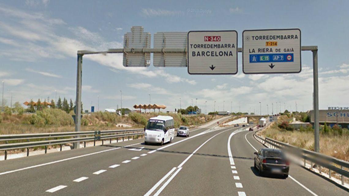 Un anciano con discapacidades y sin licencia fue detenido por manejar a más de 180 km