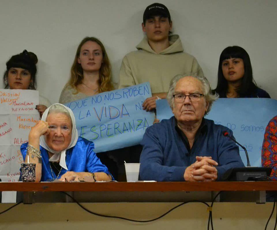 Pérez Esquivel y Cortiñas se manifestaron por los derechos de la infancia