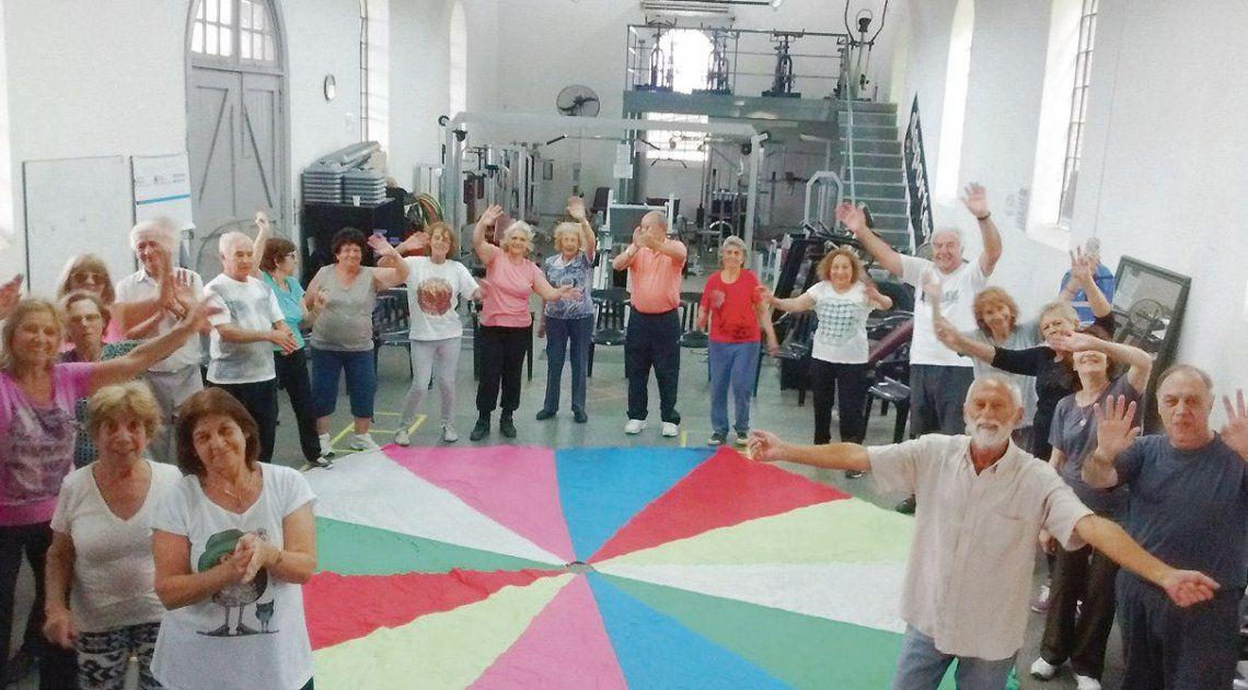 dEl CAM desarrolla propuestas de capacitación para personas mayores.