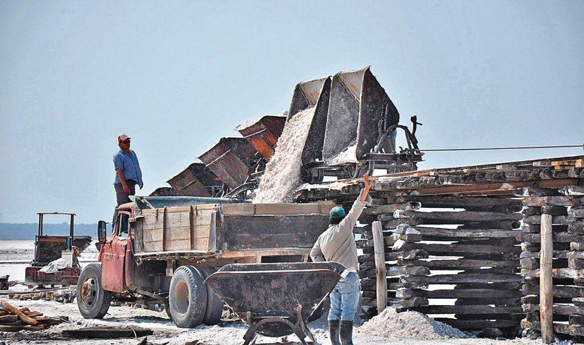 Hay unas 3.500.000 personas que trabajan en negro o están desocupadas en el Conurbano.