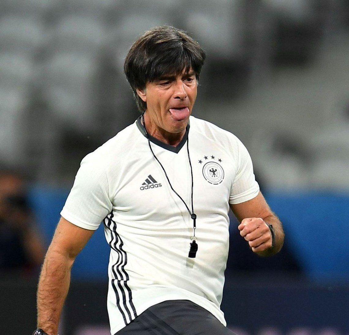 Alemania pasó lista y le renovó el contrato a Joachim Löw hasta 2022
