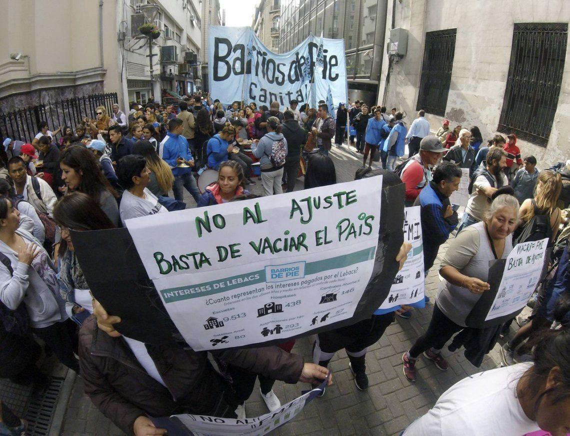 Barrios de Pie instaló ollas populares frente al Banco Central