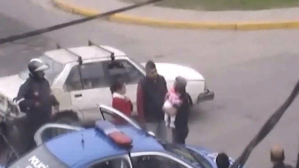 Video | Policía le salvó la vida a una beba tras practicarle RCP