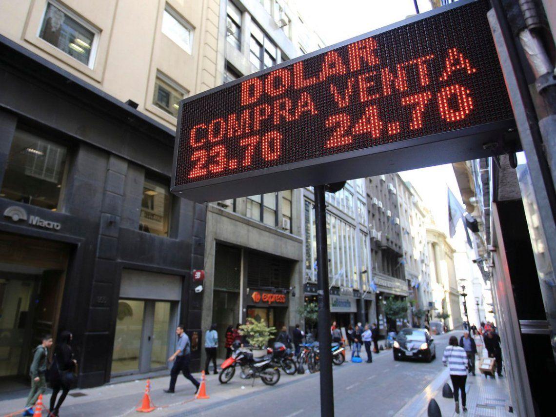 El dólar subió con respecto al martes sin influencia del Banco Central