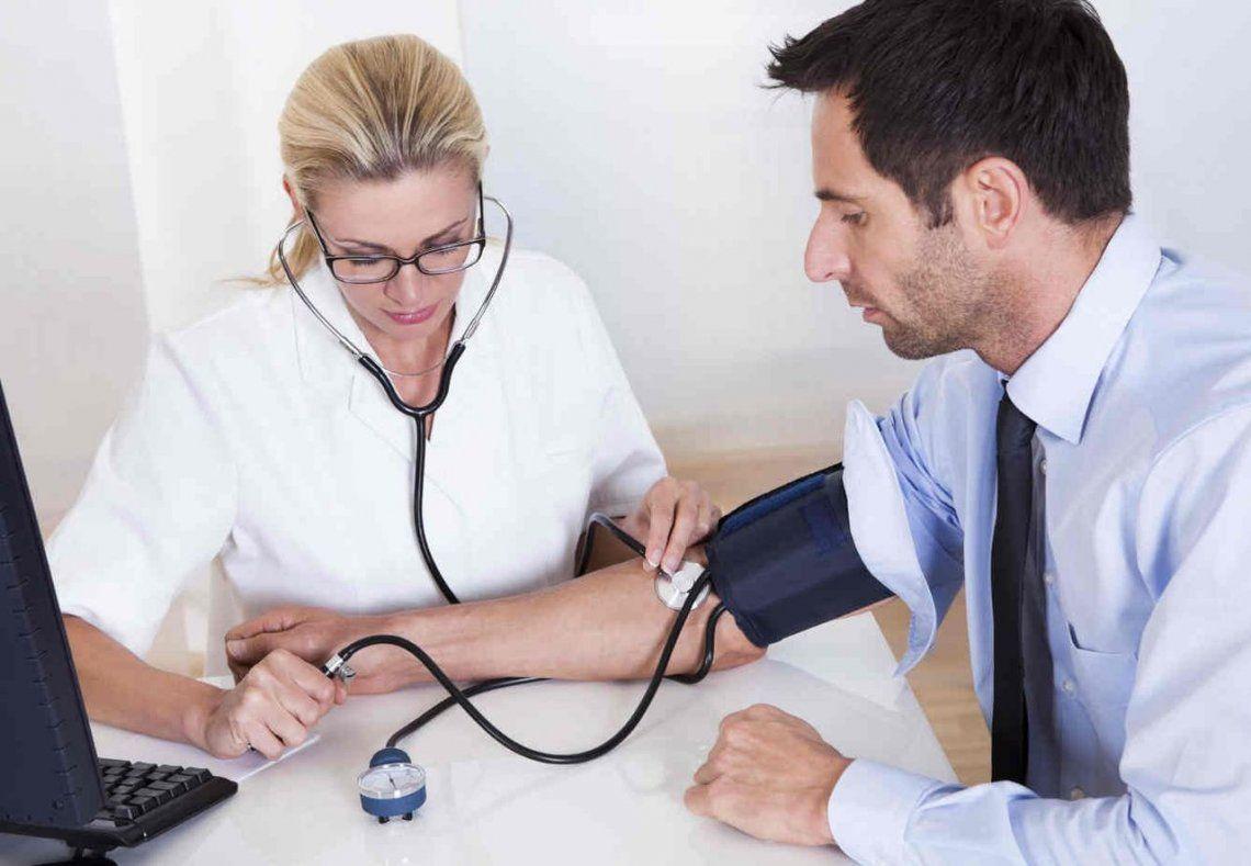 Casi la mitad de los menores de 35 años no sabe que tiene hipertensión