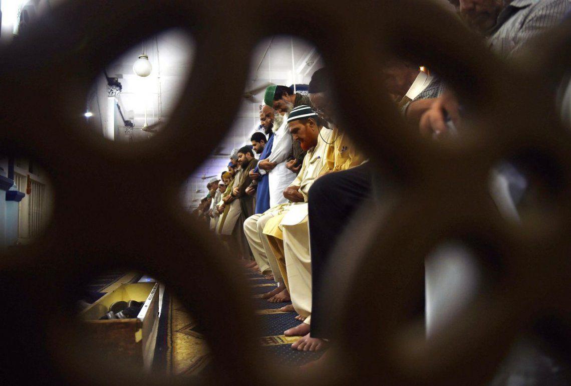 Pakistán | Oración en la Gran Mezquita de Faisal en Islamabad.