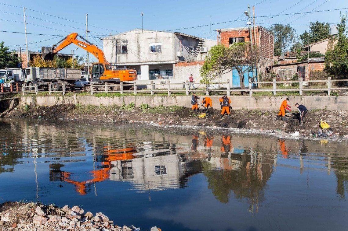 Operativos de limpieza en los arroyos Las Piedras y San Francisco
