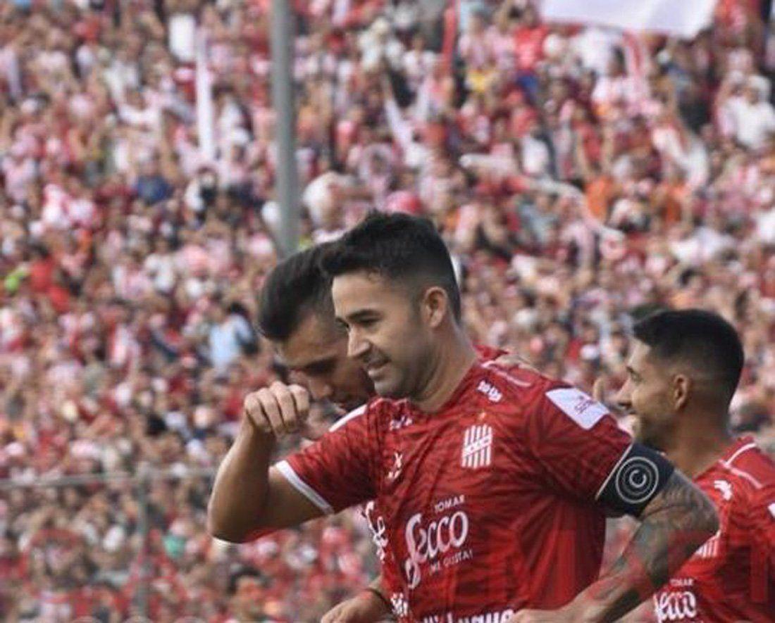 San Martín aplastó a Agropecuario y define con Sarmiento el segundo ascenso a Primera