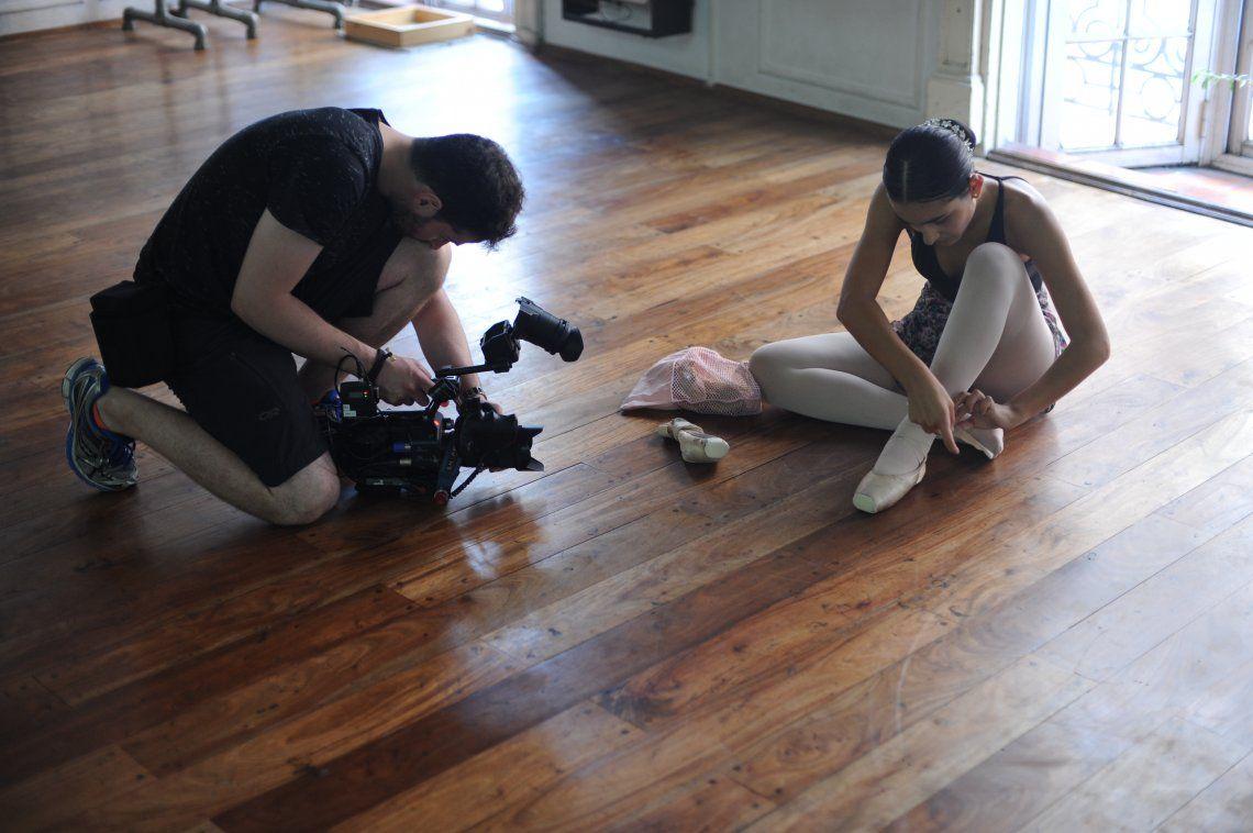 Pequeña bailarina de Monte Grande destacada como prodigio por su talento