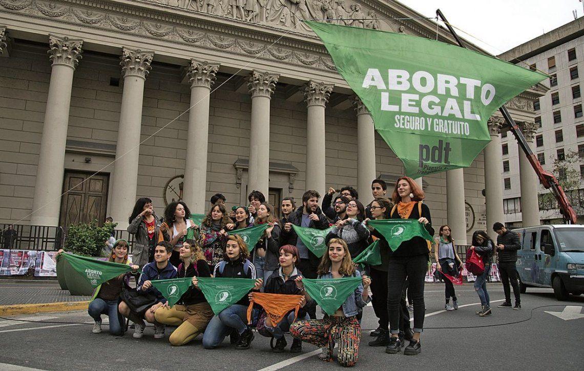 Realizarán pañuelazo en la CGT en favor del aborto legal