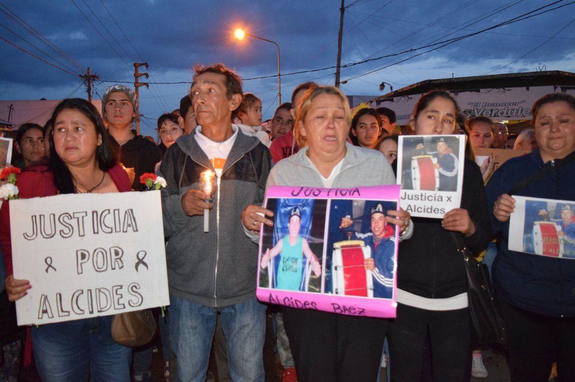 Los padres de Alcides encabezaron el reclamo de Justicia.