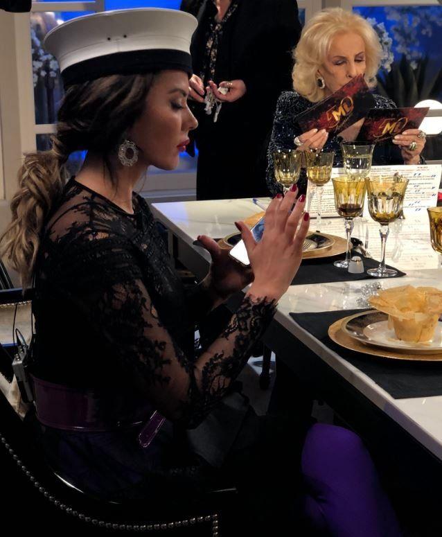 Karina Jelinek llevó un gorro polémico a la mesa de Mirtha y desató las burlas