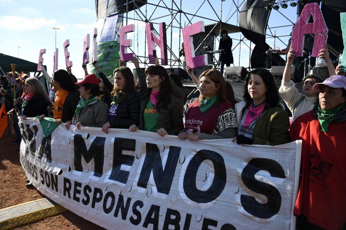 Actrices famosas participaron de la marcha de mujeres por el aniversario de #NiUnaMenos