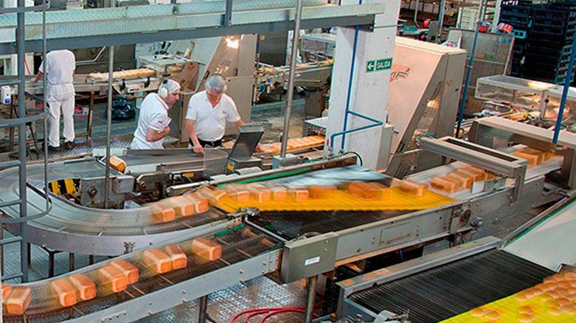 Por caída del consumo, cierra una fábrica que hace Don Satur