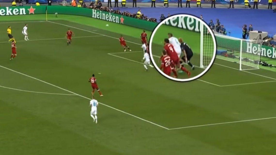 Los errores del arquero del Liverpool en la final, provocados por el golpe que le propinó Sergio Ramos