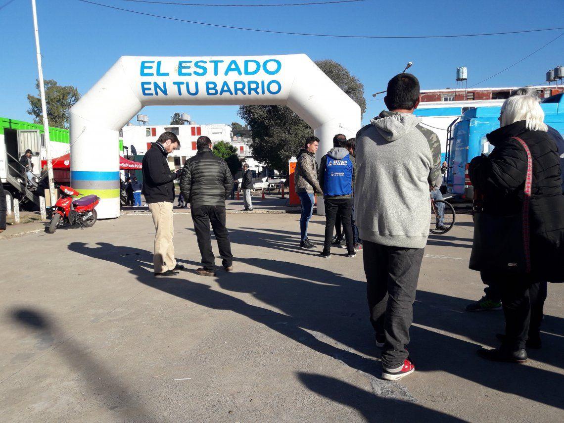 Operativo permanente del Estado en tu Barrio en Carlos Gardel