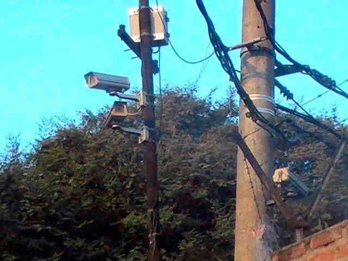 Alertan que presionan para quitar cámaras de seguridad en Tres de Febrero