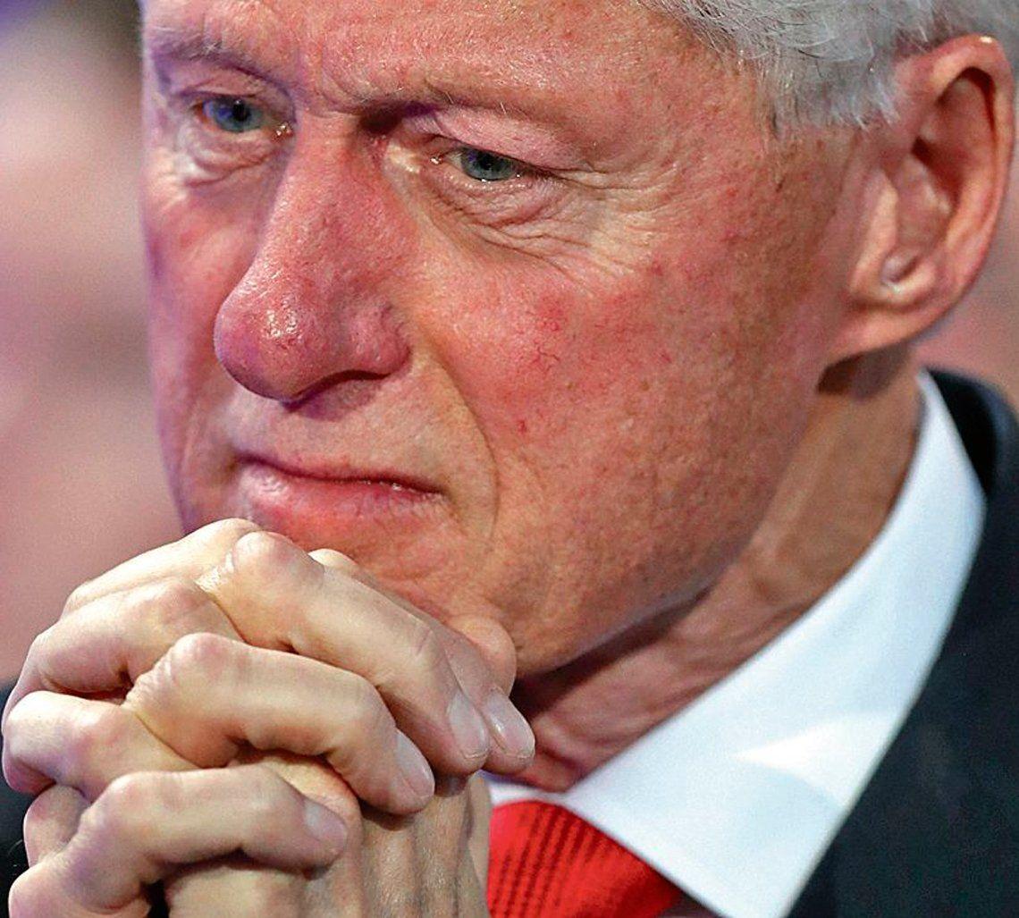 Llueven críticas a Clinton por comentarios sobre Lewinsky