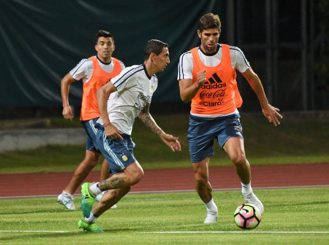 Fazio abandonó la concentración de la Selección Argentina por una feliz urgencia