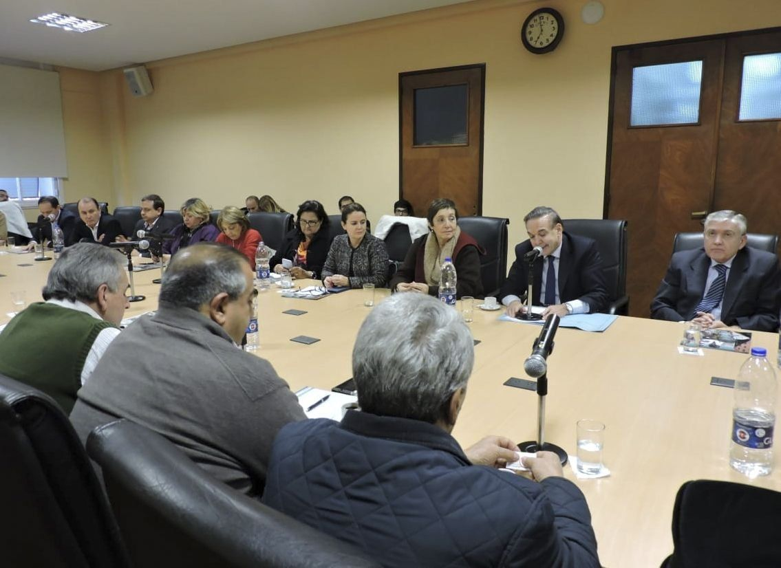 CGT confirmó un paro y recibió el apoyo de senadores del peronismo federal