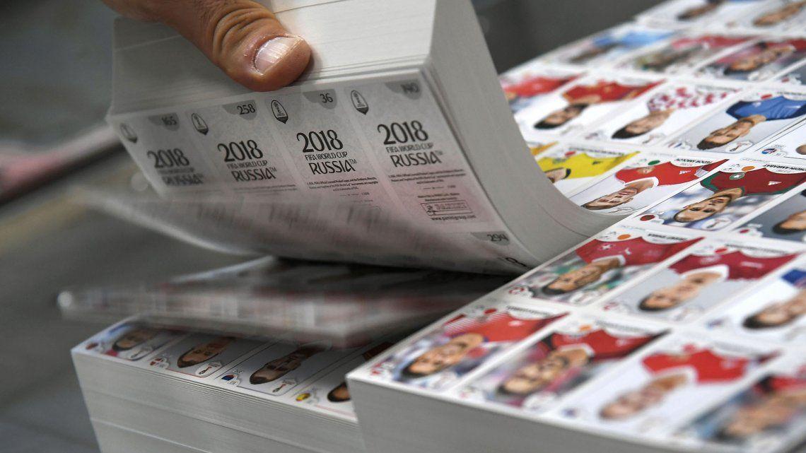 Se robaron 638 cajas de figuritas del Mundial en Carapachay