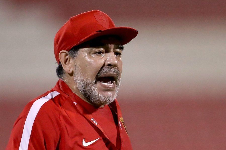 Maradona fue internado en una clínica de Colombia
