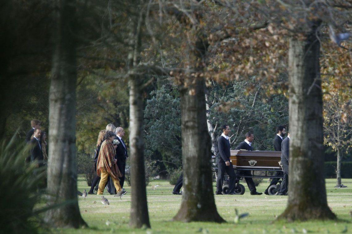 Máxima Zorreguieta despidió a su hermana en el cementerio de Pilar