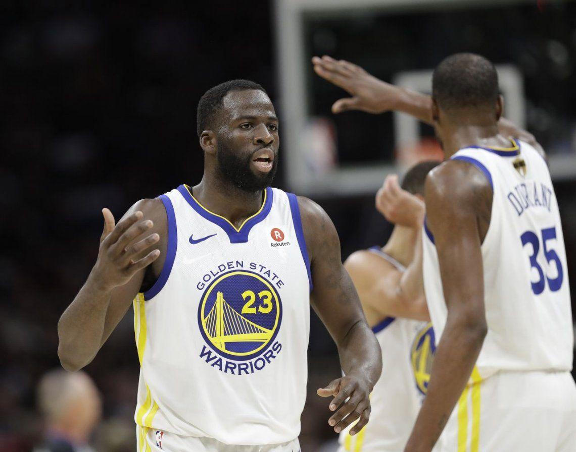 Golden State barre a Cleveland y revalidan título de campeones de la NBA
