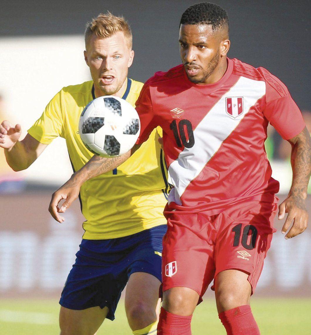 dLa domina Farfán. Perú empató ante Suecia