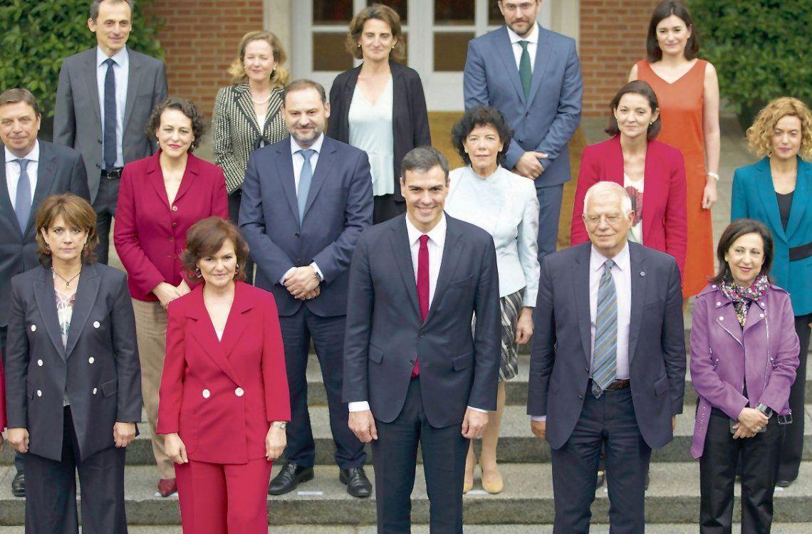 dLos nuevos ministros del gobierno español tienen múltiples desafíos.