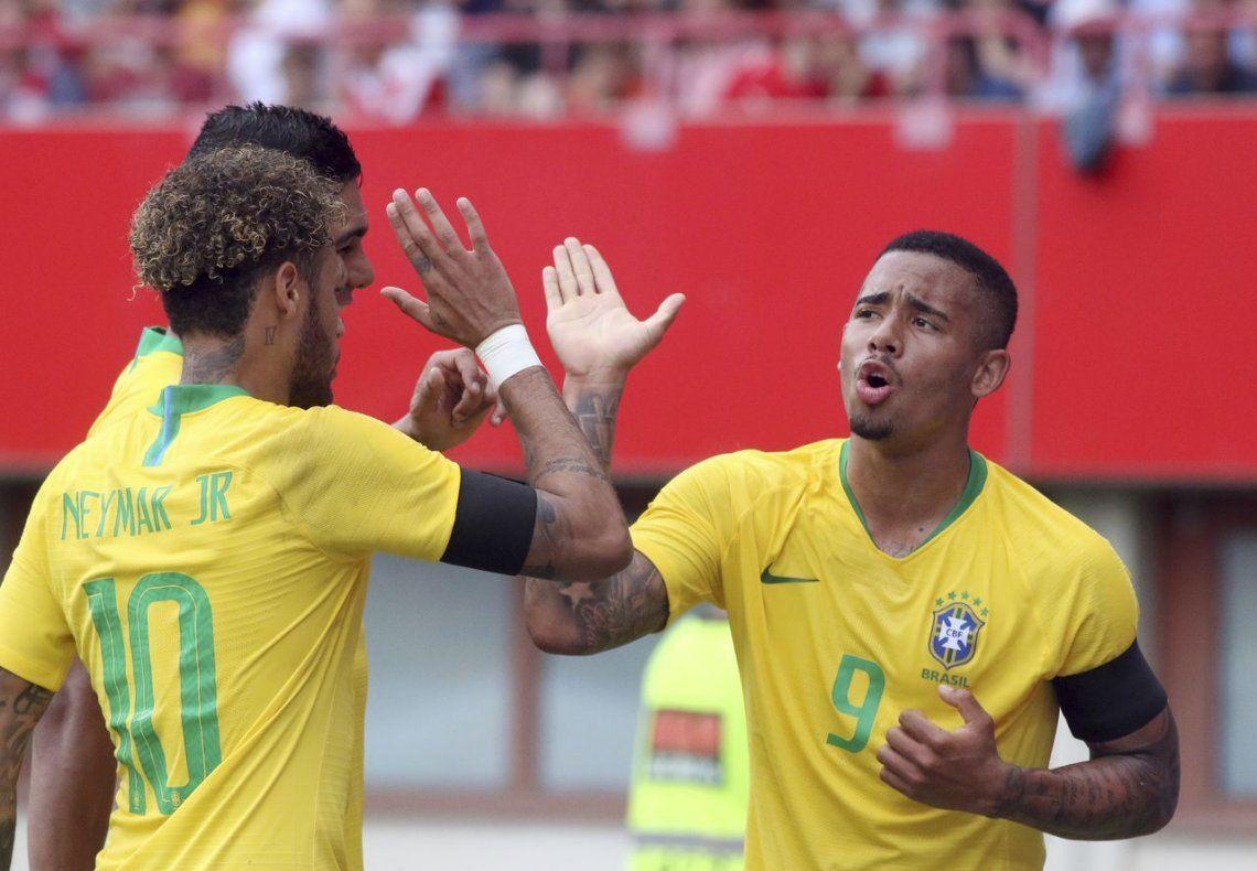 Brasil goleó a Austria y llega entonado al Mundial