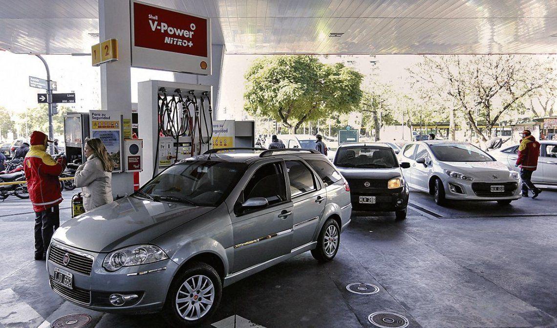 Pese a los aumentos, subió la venta de combustibles