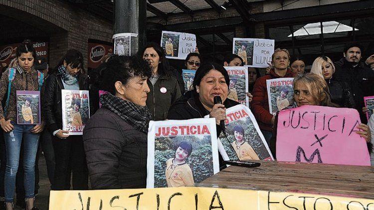 dFamiliares de Luna Ortiz en uno de los habituales pedidos de justicia.