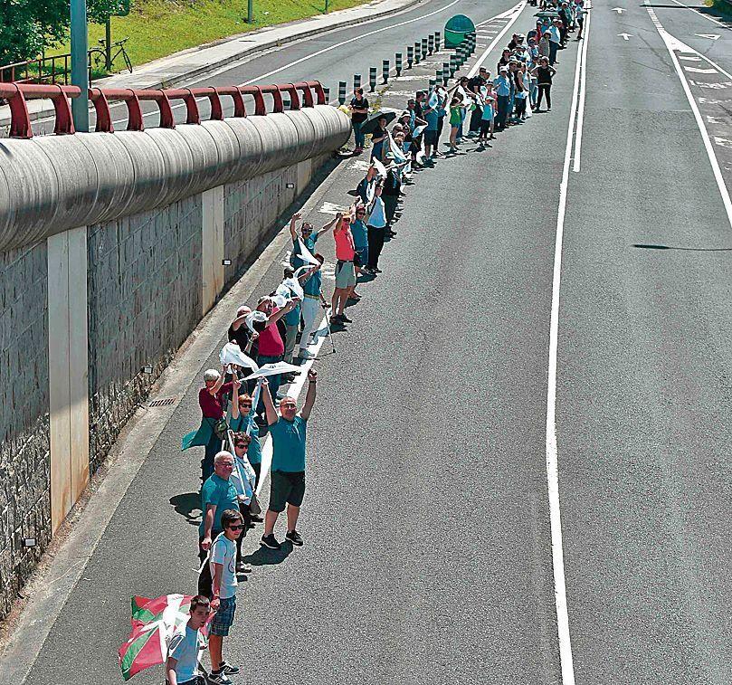 dUna parte de la cadena humana que cubrió los 202 kilómetros.