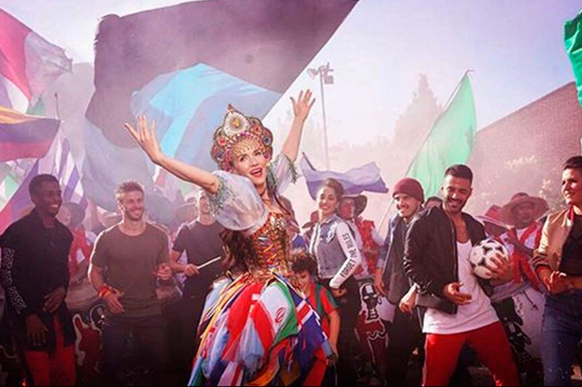 Natalia Oreiro presentó tema y video a cuatro días del Mundial