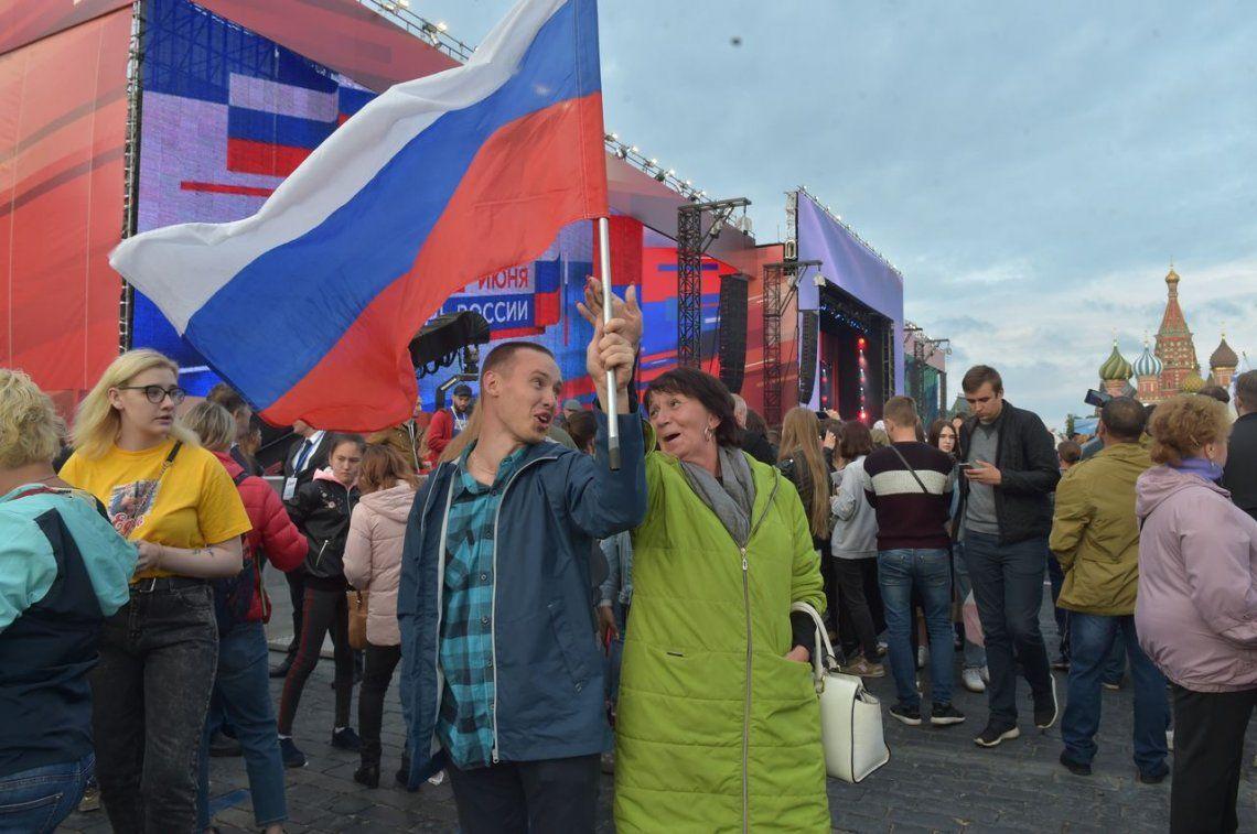 Plaza Roja: Popular presente en la fiesta previa al comienzo del Mundial