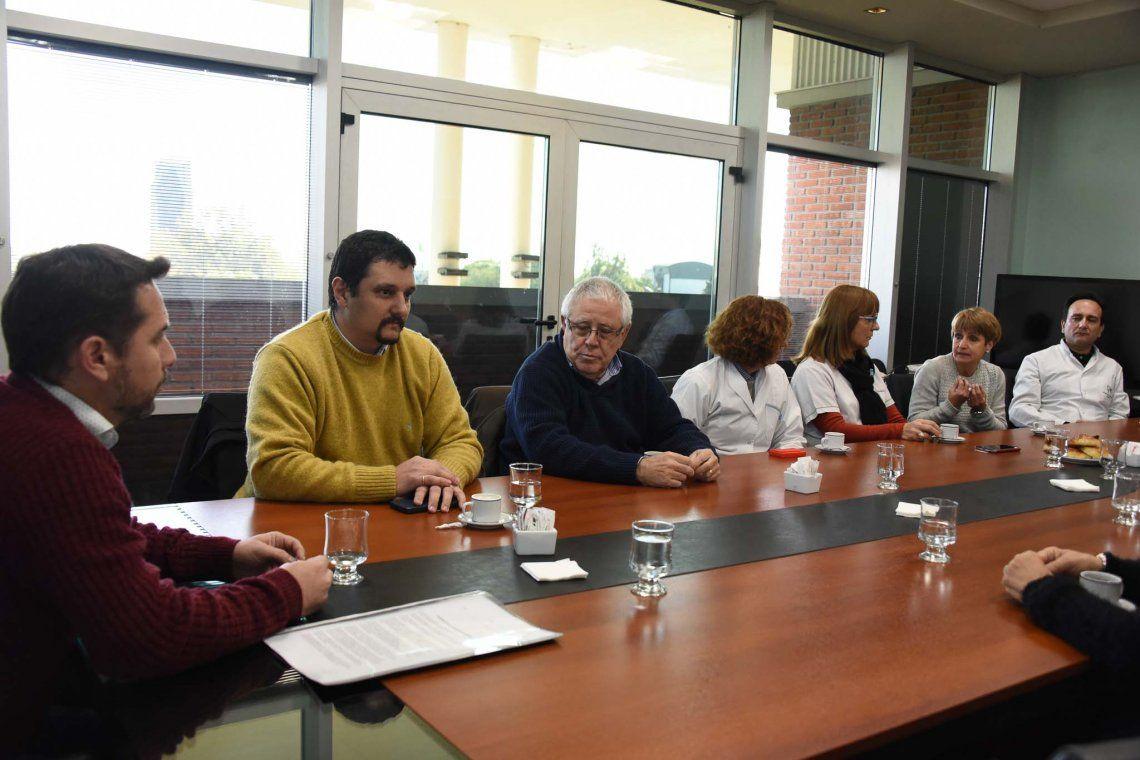 Firman decreto para proteger a las farmacias de Ituzaingó