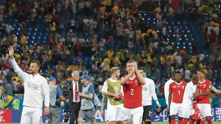 Suiza le empató sorpresivamente a Brasil y abrió un paréntesis en el Grupo E de cara a su definición y cruces.
