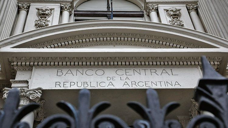 El Central recortó la tasa de Lebacs a 46,5% y renovó casi $400.000 millones