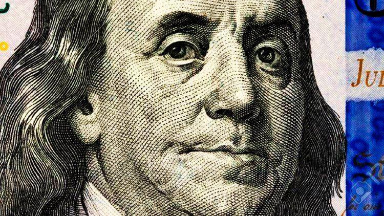Después de los cambios en el Gabinete, el dólar refleja una baja